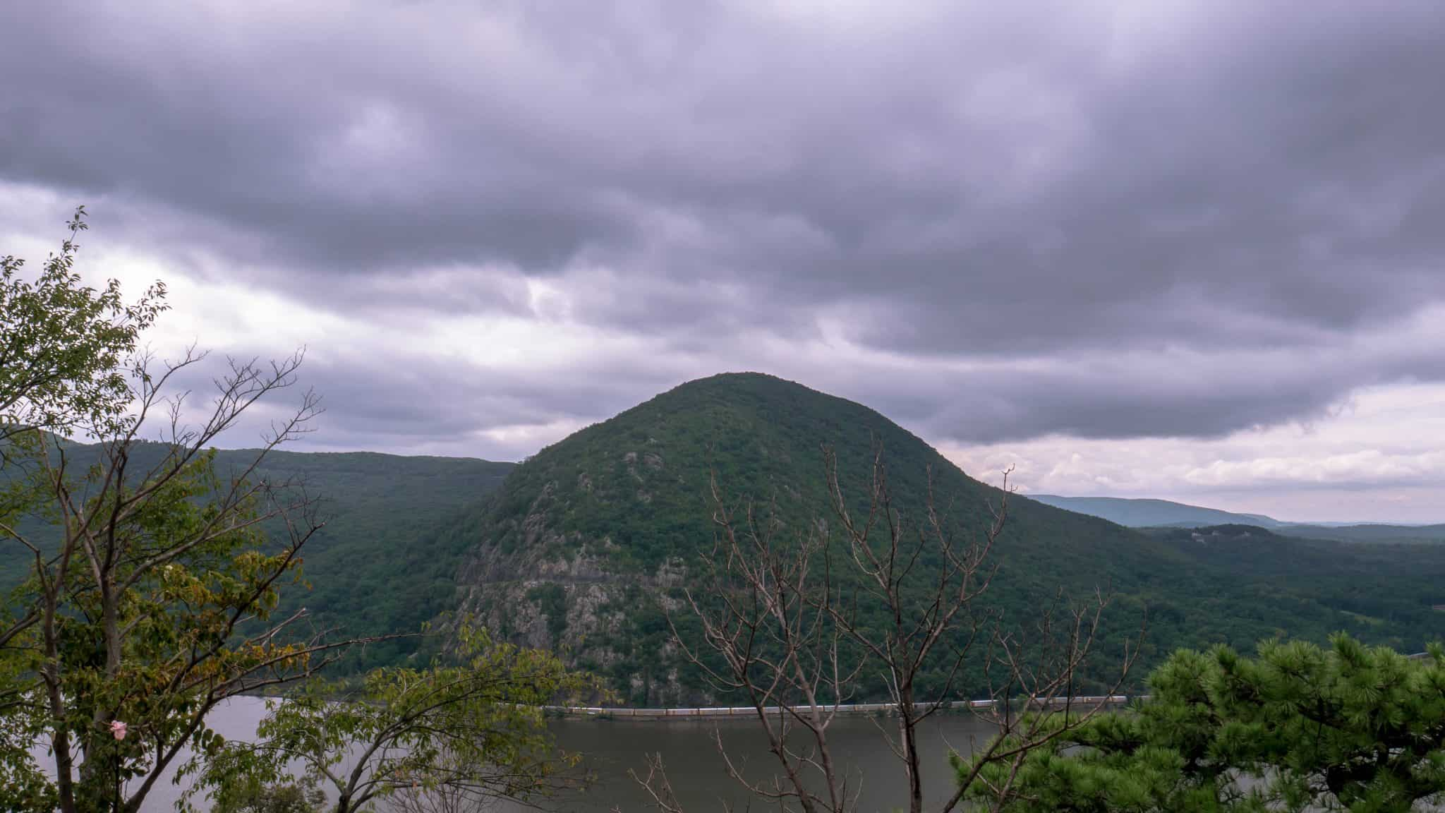 First Hike in the States | Breakneck Ridge